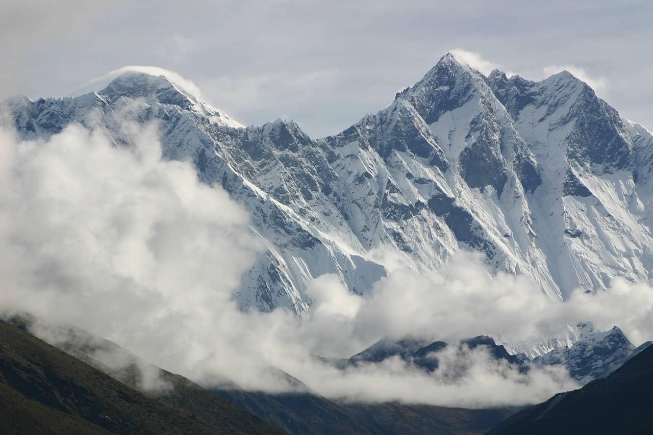 Lhotse, grande e imponente