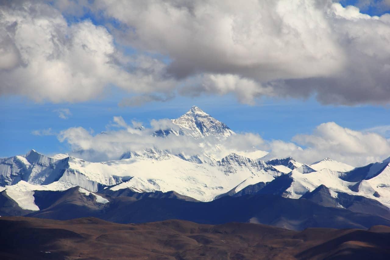 Monte Everest, oficialmente la montaña más grande del mundo