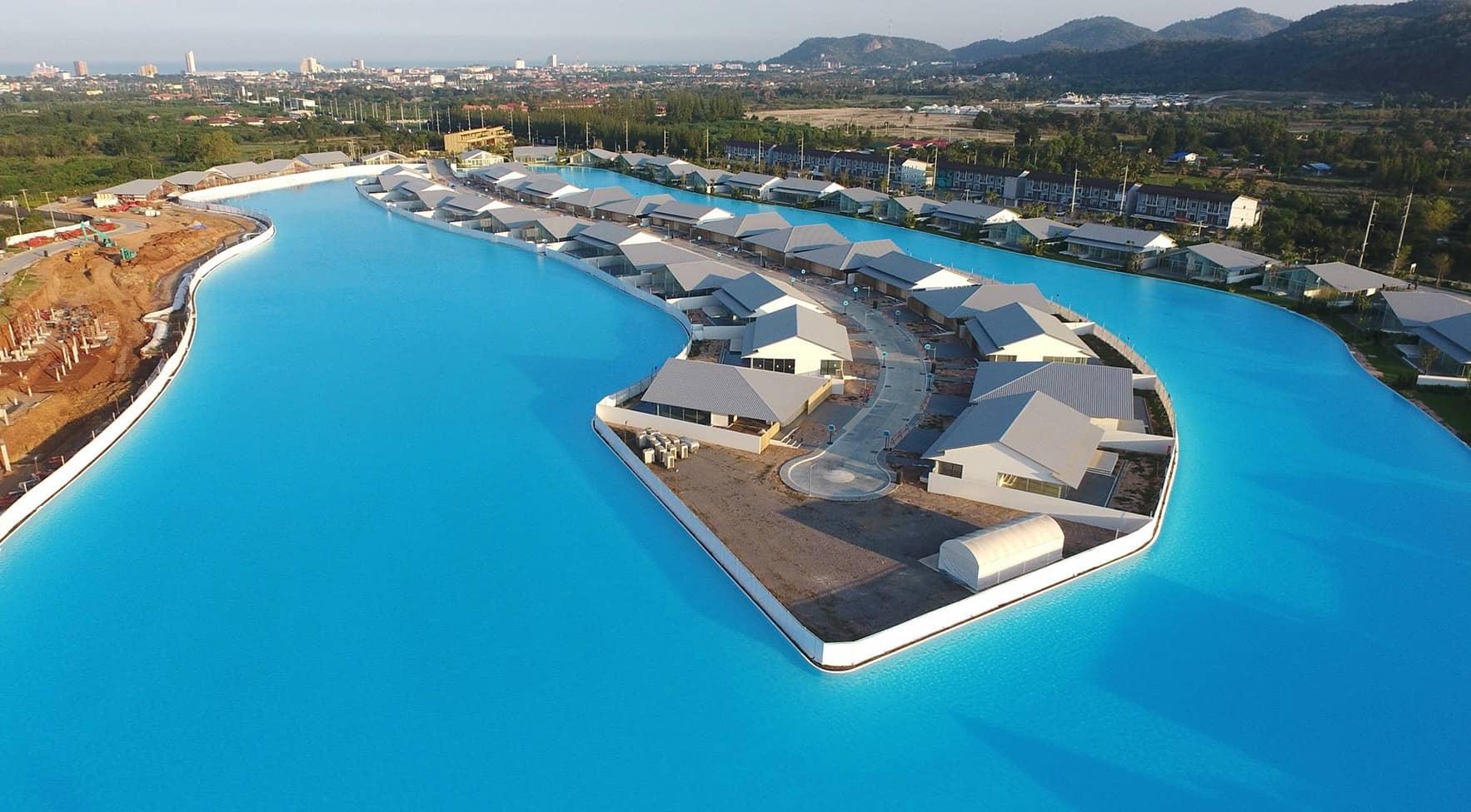 Mahasamutr, una de las piscinas más grandes del mundo y de todo el continente asiático.