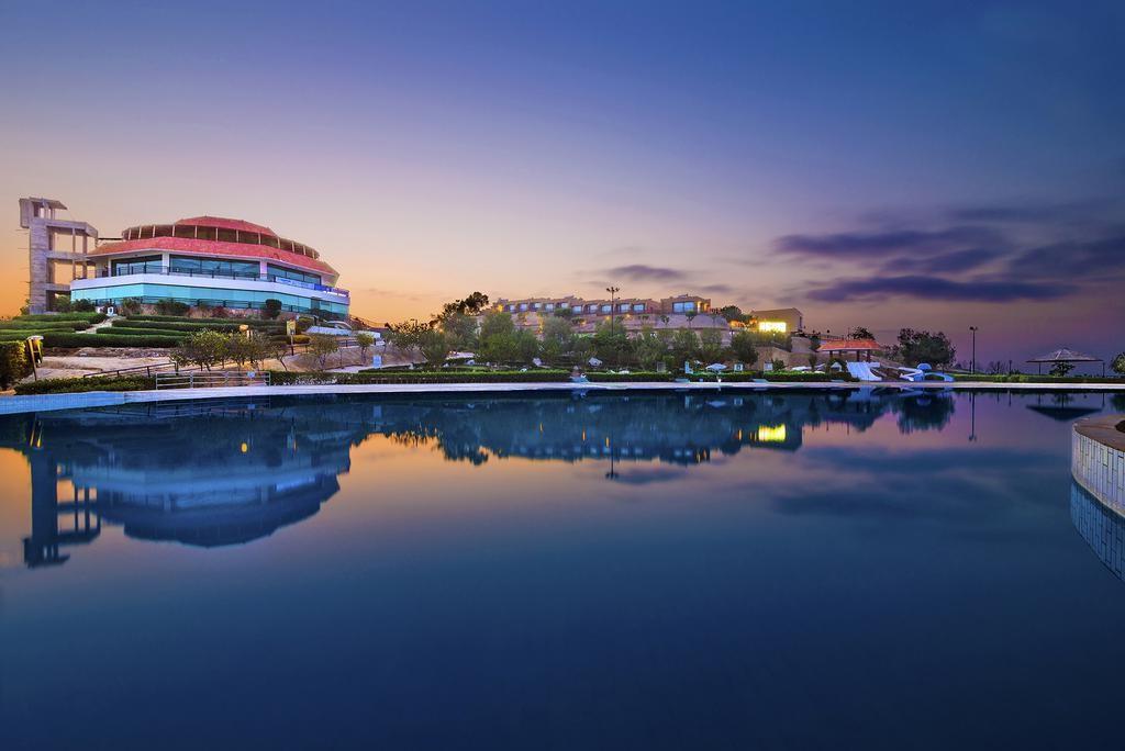 Dreamworld Resort
