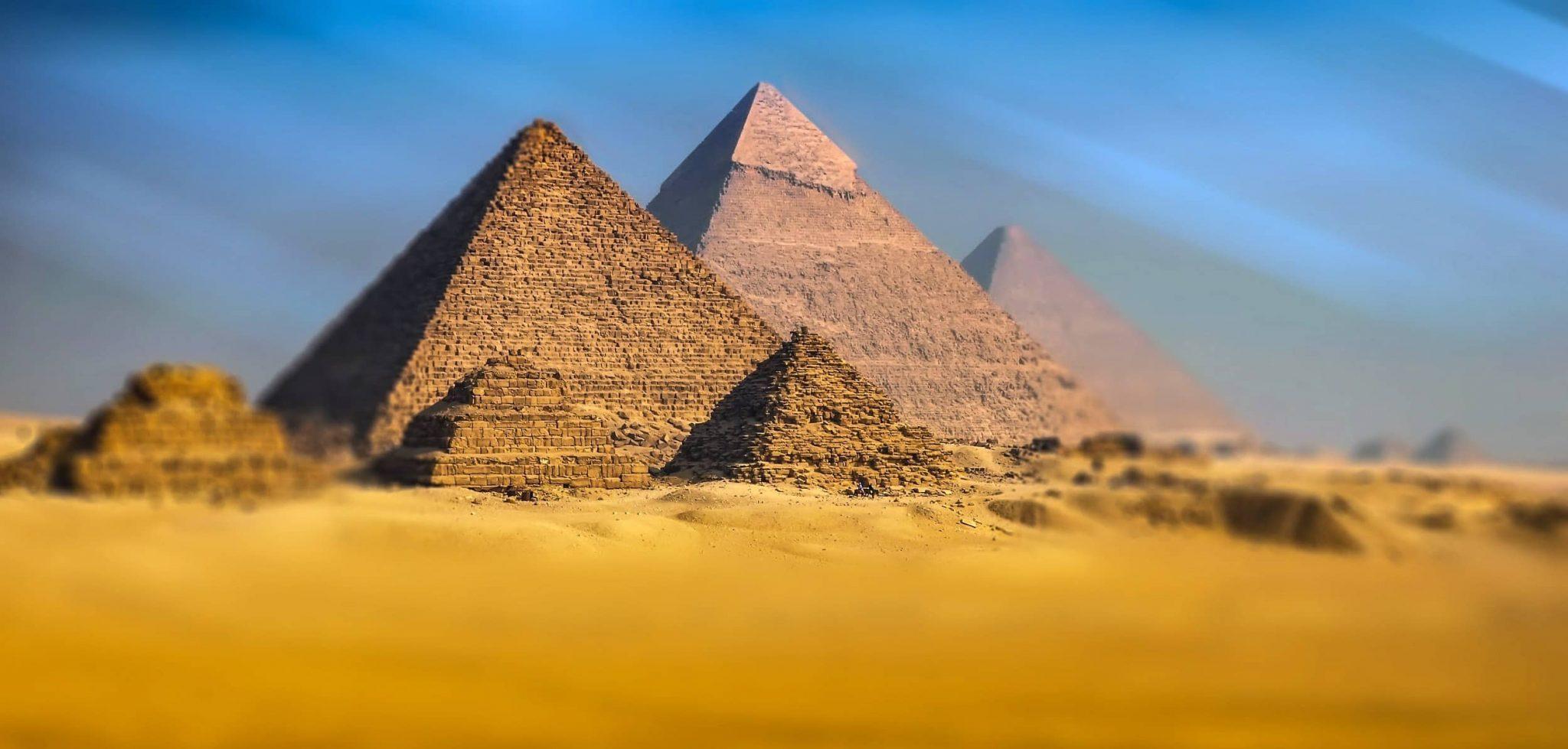 Pirámide de Guiza, la segunda más grande del mundo.