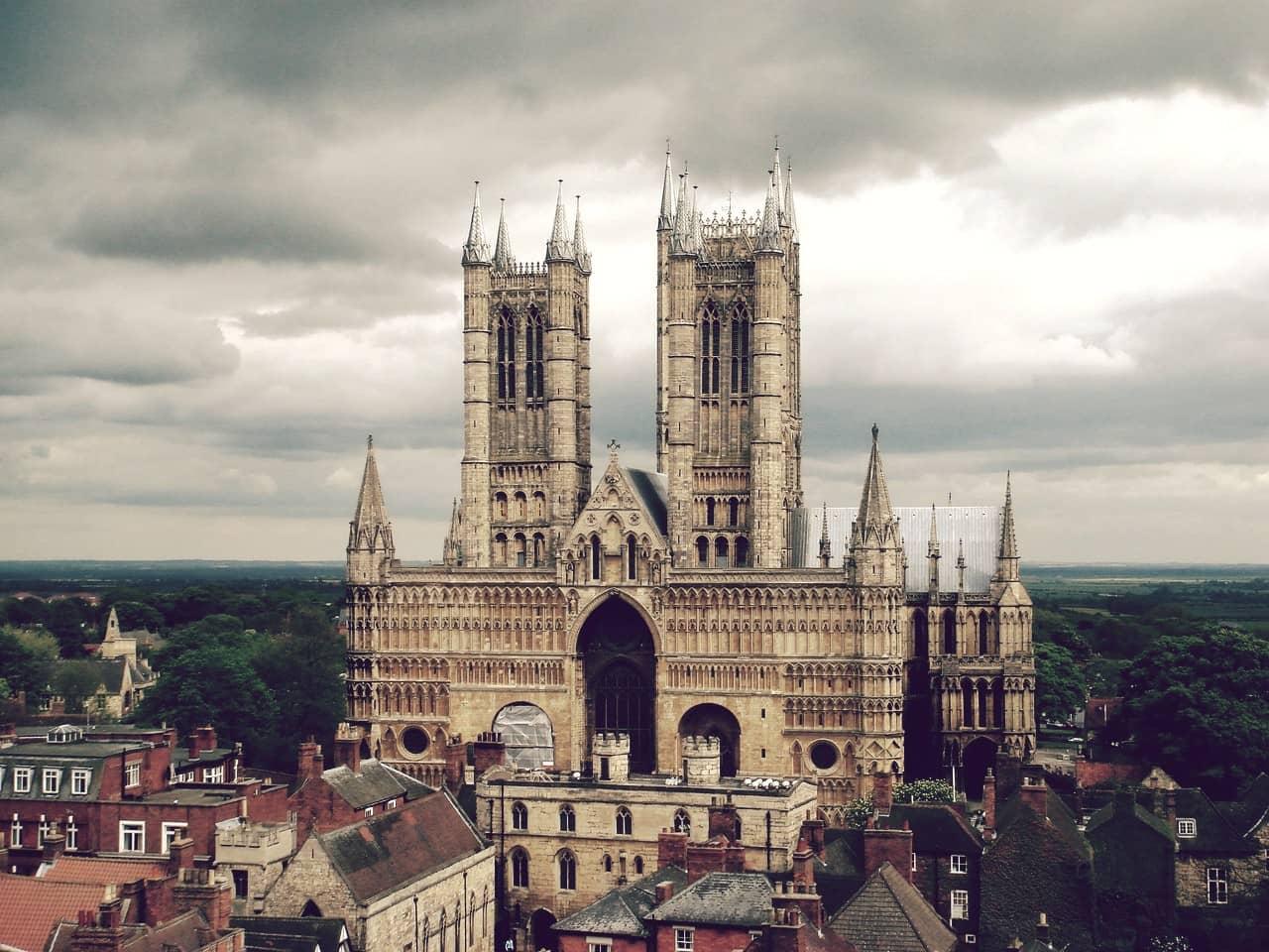 Catedral de Lincoln, oficialmente la más grande del mundo