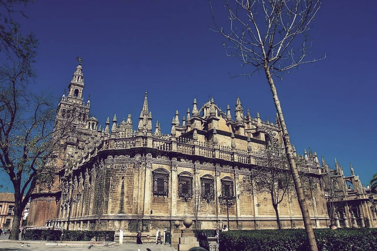La catedral de Sevilla, una de las iglesias más grandes de España