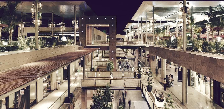 C.C La Maquinista, San Andrés (Barcelona), el primero de los centros comerciales más grandes de España