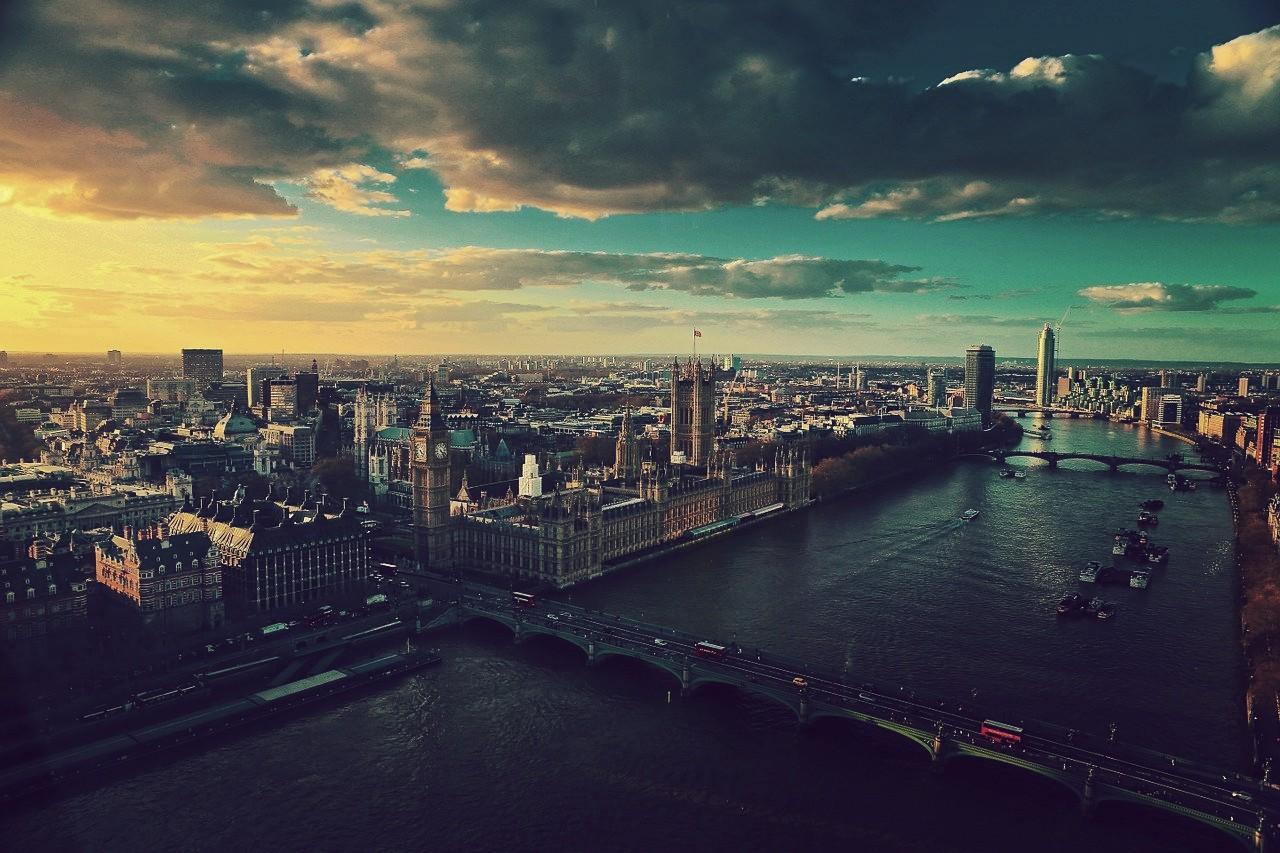 Londres, Reino Unido (Inglaterra), oficialmente la ciudad más grande de Europa