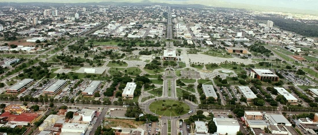 Plaza de los Girasoles, la plaza más grande de Brasil