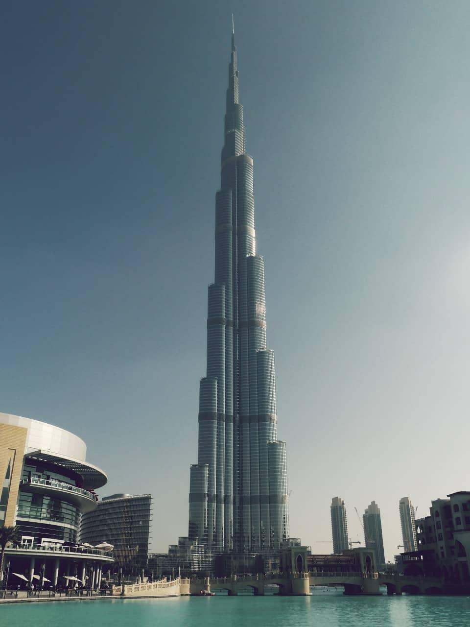 Burj Khalifa, el rascacielos más grande y alto del mundo
