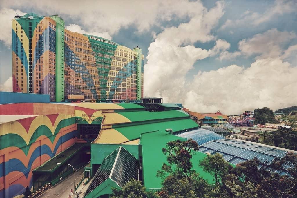 Hotel First World & Plaza, el segundo más grande del mundo