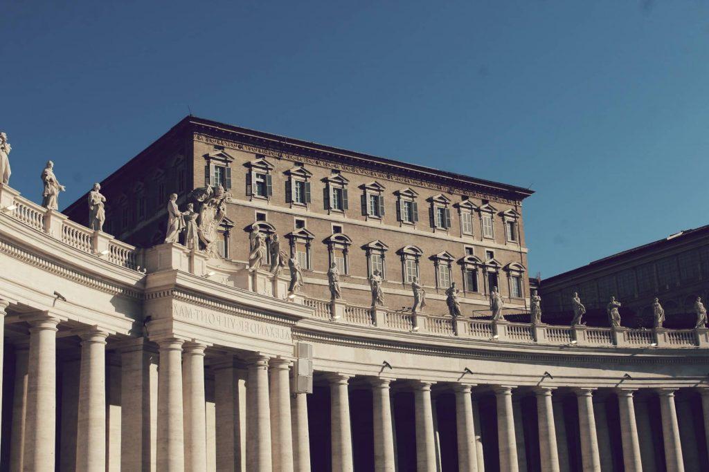 El quinto de la lista de los palacios más grandes del mundo es el Apóstolico