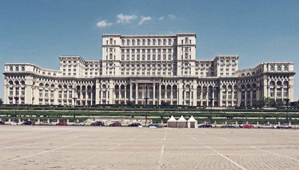 Palacio del Parlamento, el más grande del mundo